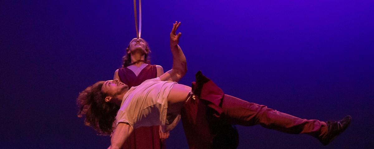 Fling: Circo contemporáneo, hula hoops y acrobacia