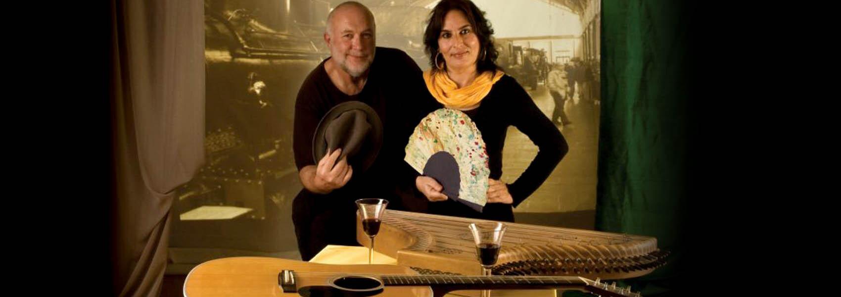 Begoña Olavide y Javier Bergia en concierto presentando Burlesco